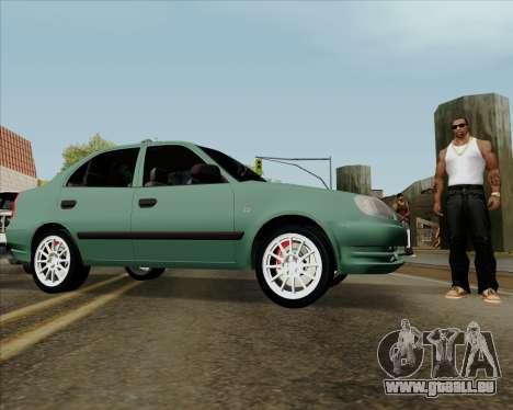 Hyundai Accent 2004 pour GTA San Andreas vue de droite
