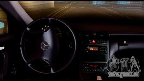 Mercedes-Benz C32 AMG Police pour GTA San Andreas vue arrière