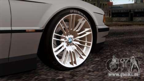 BMW 750iL E38 Romanian Edition pour GTA San Andreas sur la vue arrière gauche