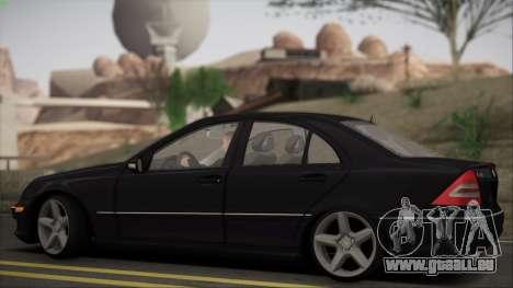Mercedes-Benz C32 W203 2004 pour GTA San Andreas vue arrière