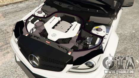 GTA 5 Mercedes-Benz C63 AMG 2012 droite vue latérale