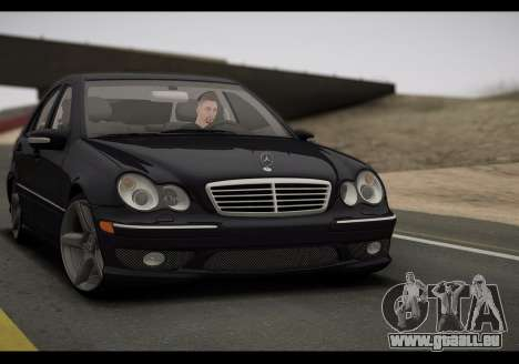 Mercedes-Benz C32 W203 2004 pour GTA San Andreas laissé vue