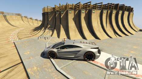 GTA 5 Maze Bank Mega Spiral Ramp zweite Screenshot