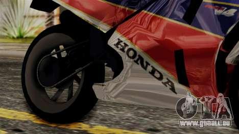 Honda VFR 750R pour GTA San Andreas vue de droite