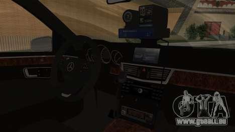 Mercedes-Benz E500 Innenministeriums Verkehrspol für GTA San Andreas rechten Ansicht