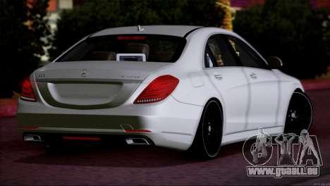 Mercedes Benz S63 W222 Des Articles De Qualité pour GTA San Andreas sur la vue arrière gauche