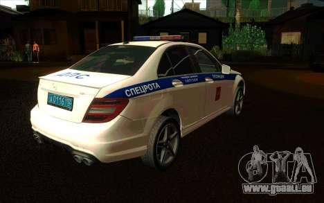 Mercedes-Benz C63 AMG ДПС pour GTA San Andreas sur la vue arrière gauche