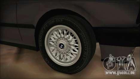 BMW 325i E30 pour GTA San Andreas vue de droite