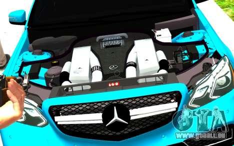 Mercedes-Benz E63 W212 AMG pour GTA 4 est un droit