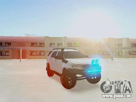 Toyota Fortuner 2012 TRD Off-Road pour GTA San Andreas vue de droite