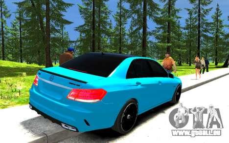 Mercedes-Benz E63 W212 AMG pour GTA 4 Vue arrière de la gauche
