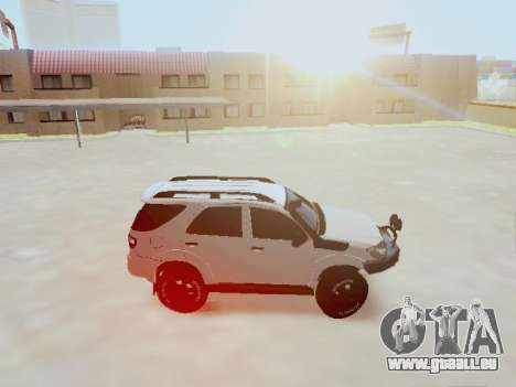 Toyota Fortuner 2012 TRD Off-Road pour GTA San Andreas laissé vue