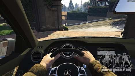GTA 5 Mercedes-Benz C63 AMG v2 arrière droit vue de côté