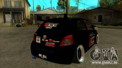 Toyota Yaris (Vitz) [Black Car Community] pour GTA San Andreas vue de droite