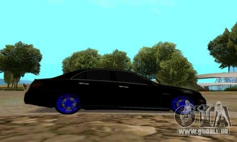 Mercedes-Benz E63 pour GTA San Andreas sur la vue arrière gauche