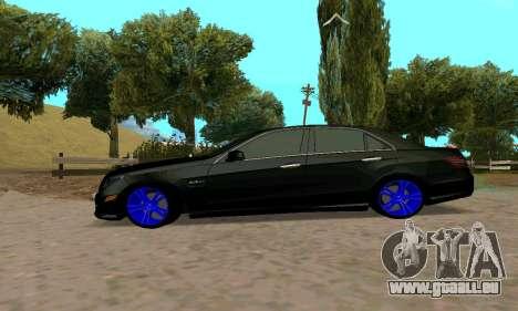 Mercedes-Benz E63 pour GTA San Andreas vue de droite