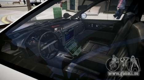 La voiture de police de GTA V pour GTA 4 est une vue de l'intérieur