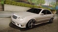 Mercedes-Benz E63 W211 AMG