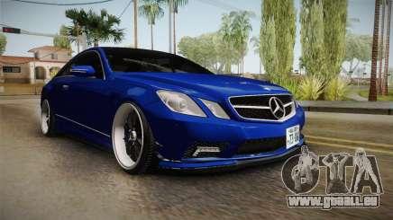 Mercedes-Benz W207 E500 Jap Style pour GTA San Andreas