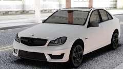 Mercedes-Benz White C63 AMG W204 pour GTA San Andreas