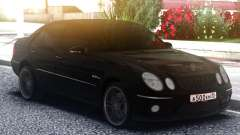 Mercedes-Benz E63 W211