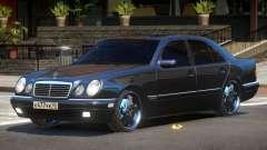 Mercedes Benz E55 V1.0